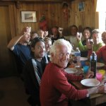 <p>Cena in allegria al rifugio Chanrion. BIRRAAA, BIRRAAA.....</p>